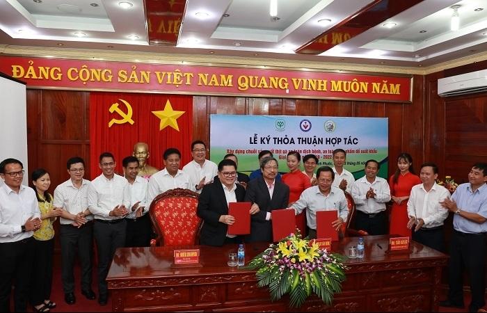 C.P. Vietnam joins Binh Phuoc to develop safe chicken production chain