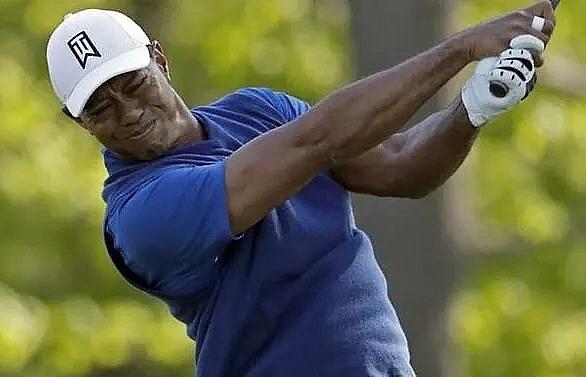 Failed fightback leaves Woods chasing birdies at PGA