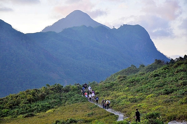 lao cai a top destination for mountaineers