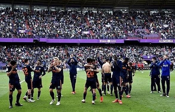 Copa del Rey final means damage limitation for Barca against rejuvenated Valencia