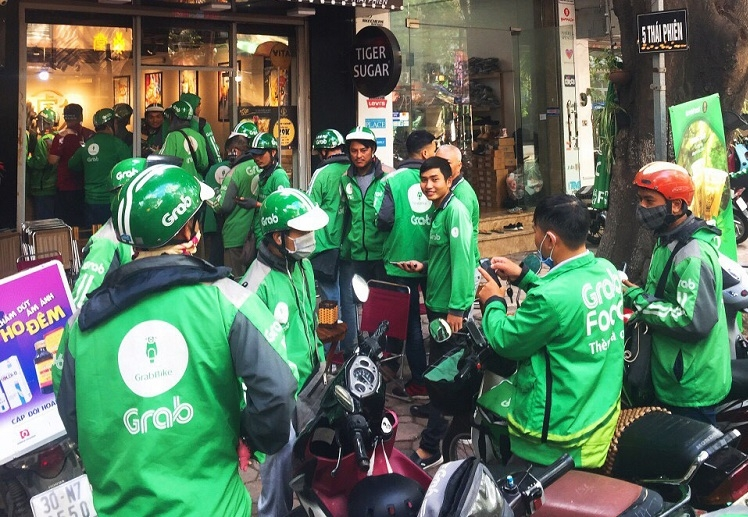 fierce race in vietnams food delivery market the game really ends