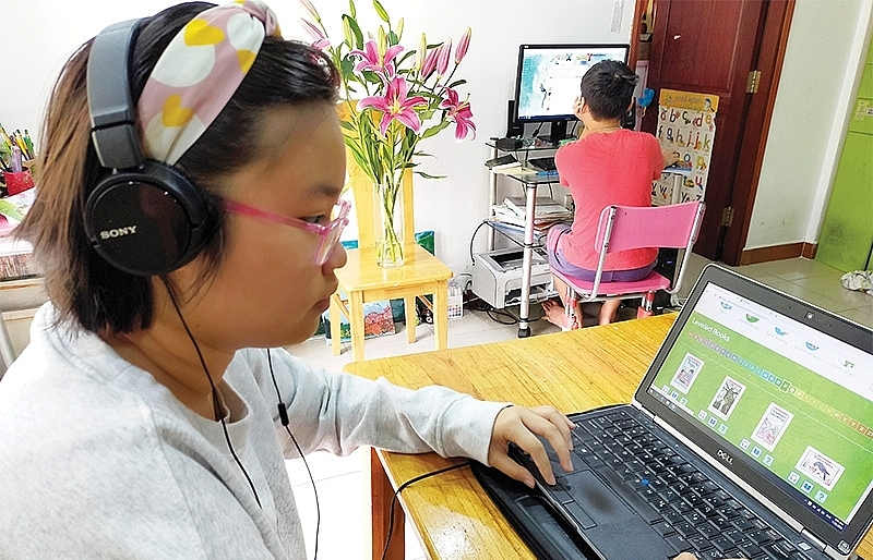 Domestic leaders stepping into limelight with e-learning apps
