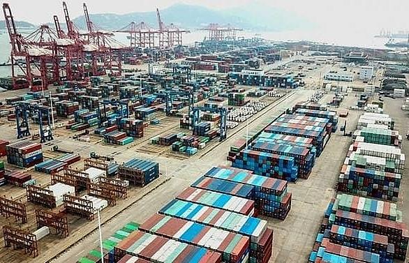 US warns of 'consequences' if China abandons trade deal