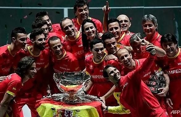 Pique 'pessimistic' over Davis Cup finals