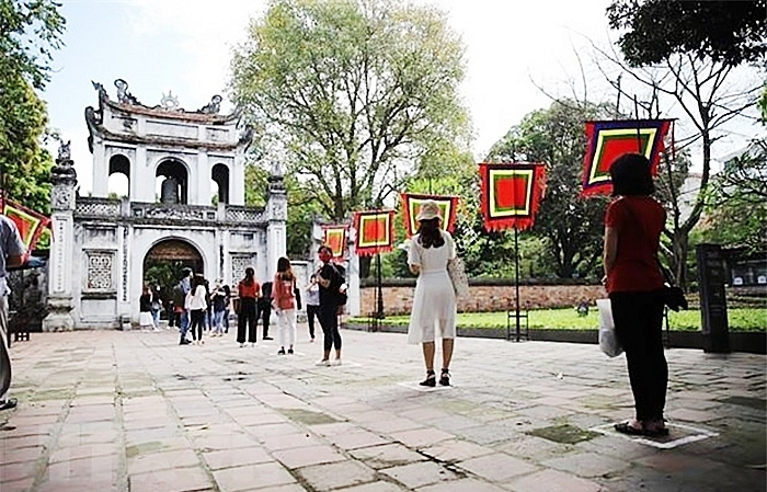 Hanoi attractions reopen for tourists