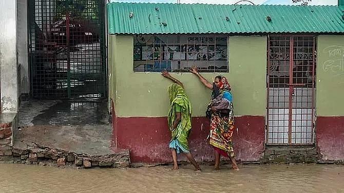 super cyclone amphan batters bangladesh and india