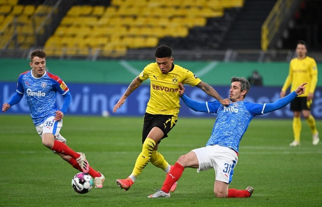 Bayern renew bid to win league as Dortmund battle Leipzig