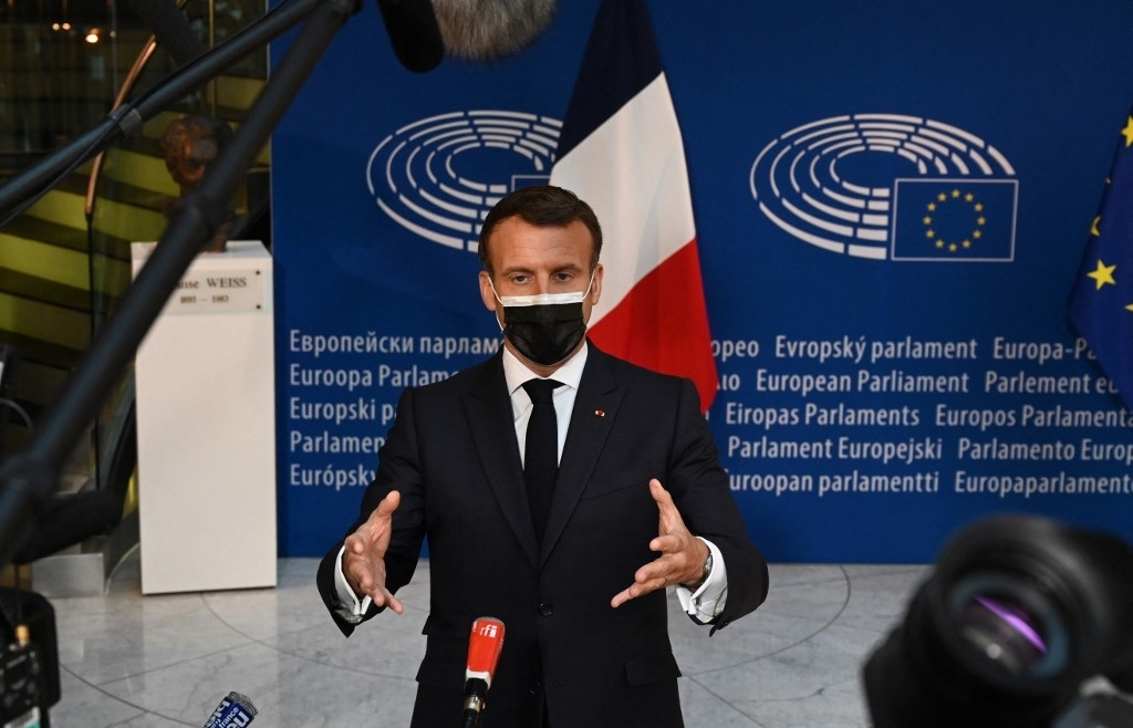 India deaths top 4,000 as Macron urges end to vaccine export limits