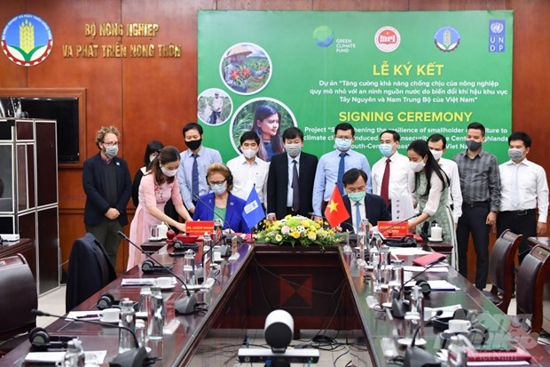 green climate fund offers vietnam 302 million usd to deal with climate change