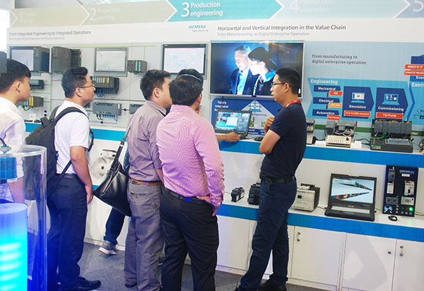 siemens presents digitalisation technology for the entire industrial value chain