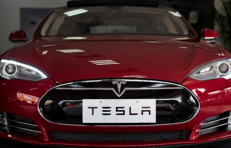 Tesla to cut 9pc of staff, says layoffs won't affect Model 3 production