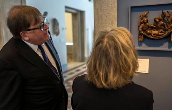 Berlin museum returns Nazi-looted treasure