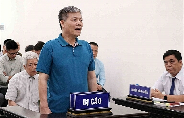 Vinashin ex-leaders prosecuted for abusing position