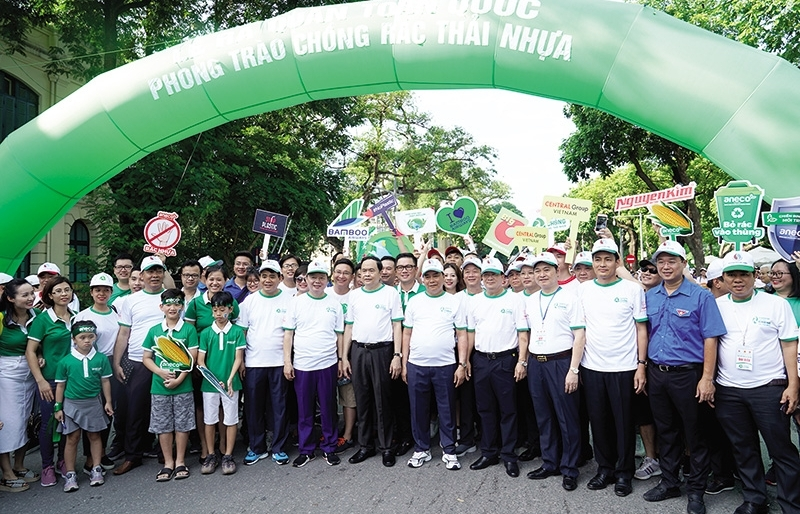 Alliance combats plastic waste
