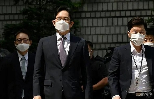 Samsung heir avoids arrest over controversial merger