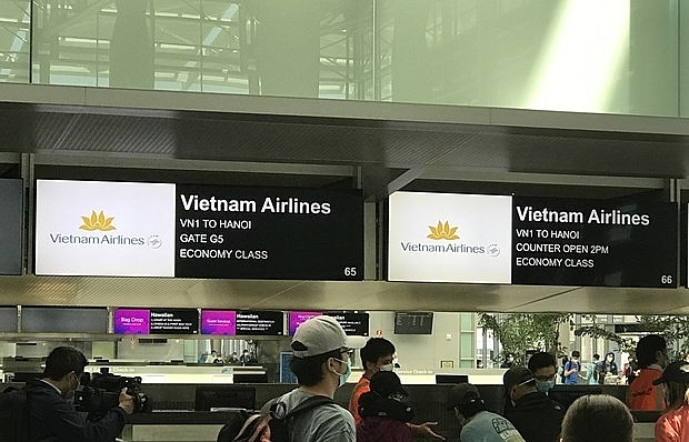 More than 340 Vietnamese citizens brought home from US