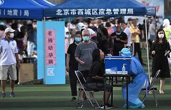 COVID-19: Mass testing in Beijing after new cluster triggers lockdowns