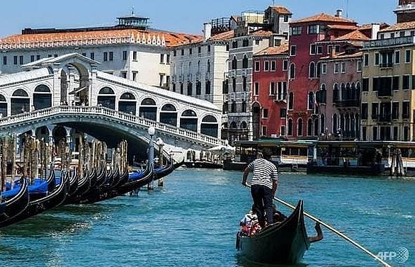 Tourists return to Venice as city looks ahead