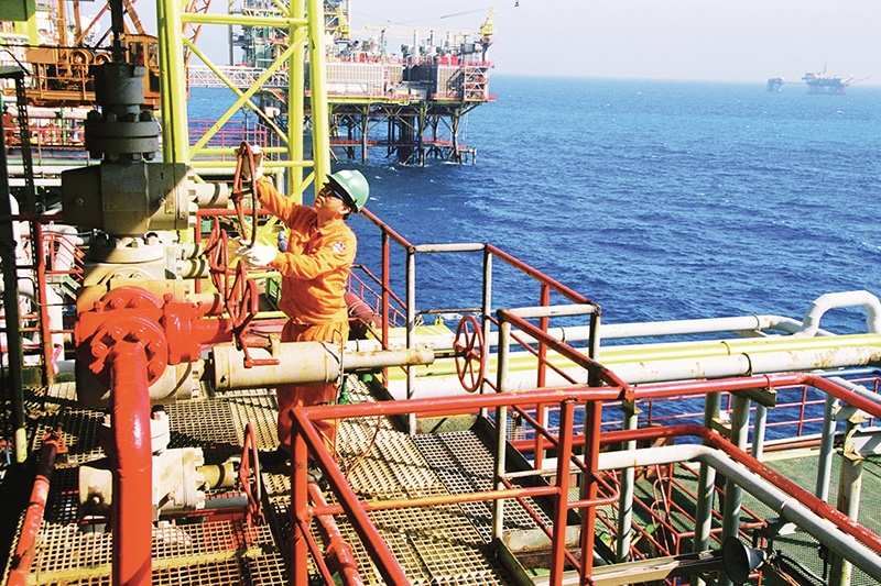 1496p 22 petrovietnam bucking trends with positive business results