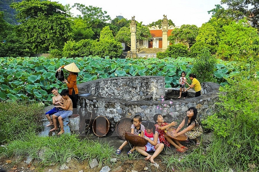 village well in vietnamese peoples life