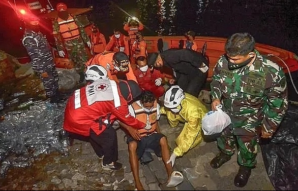 10 missing after fishing boat capsizes off Indonesia