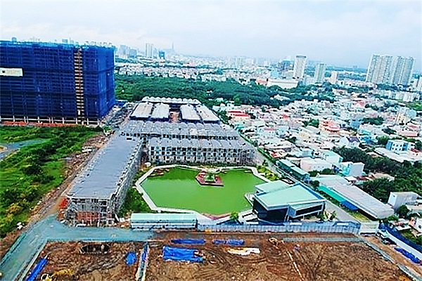 hcm citys housing industry faces difficulties