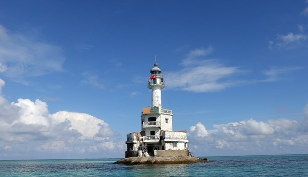 truong sa lighthouses affirm vietnams sovereignty over seas and islands