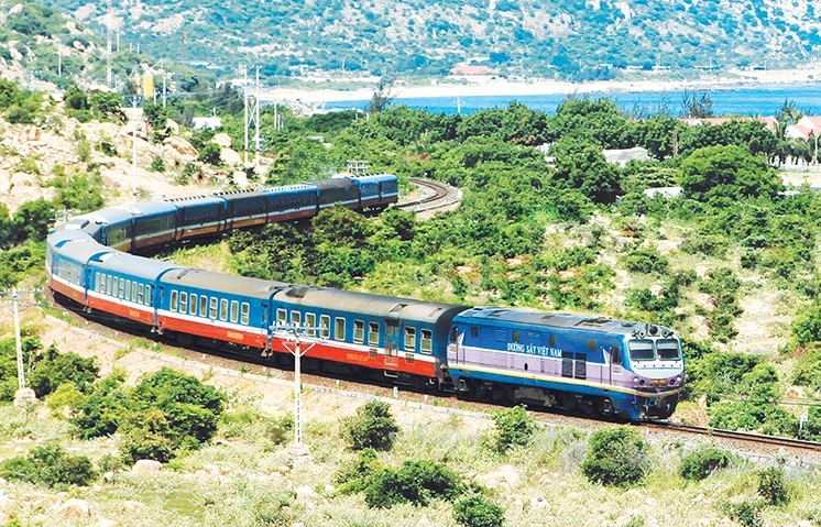 Cooperation plans still on hold amid railway system revamp