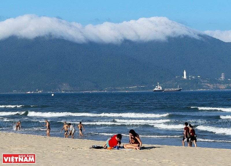 vietnam tourism my khe beach among top 25 in asia