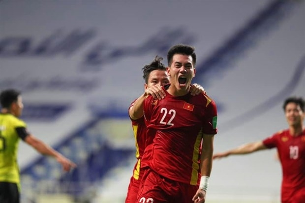 vietnam win 2 1 victory over malaysia taking huge step to world cup qualifications third round