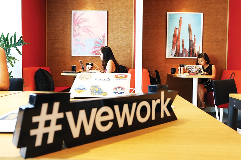 Coworking space providers like WeWork have to deal with significant losses during the pandemic, photo Le Toan