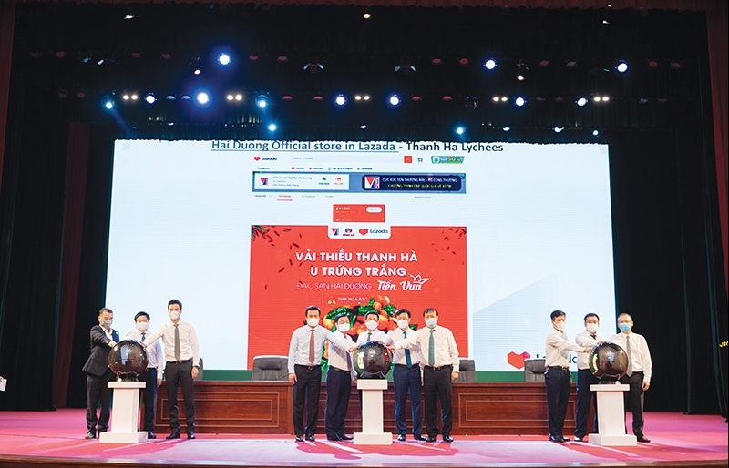 E-commerce platforms come to aid of communities