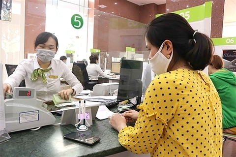 Shares set new high, cash flow boosts indices