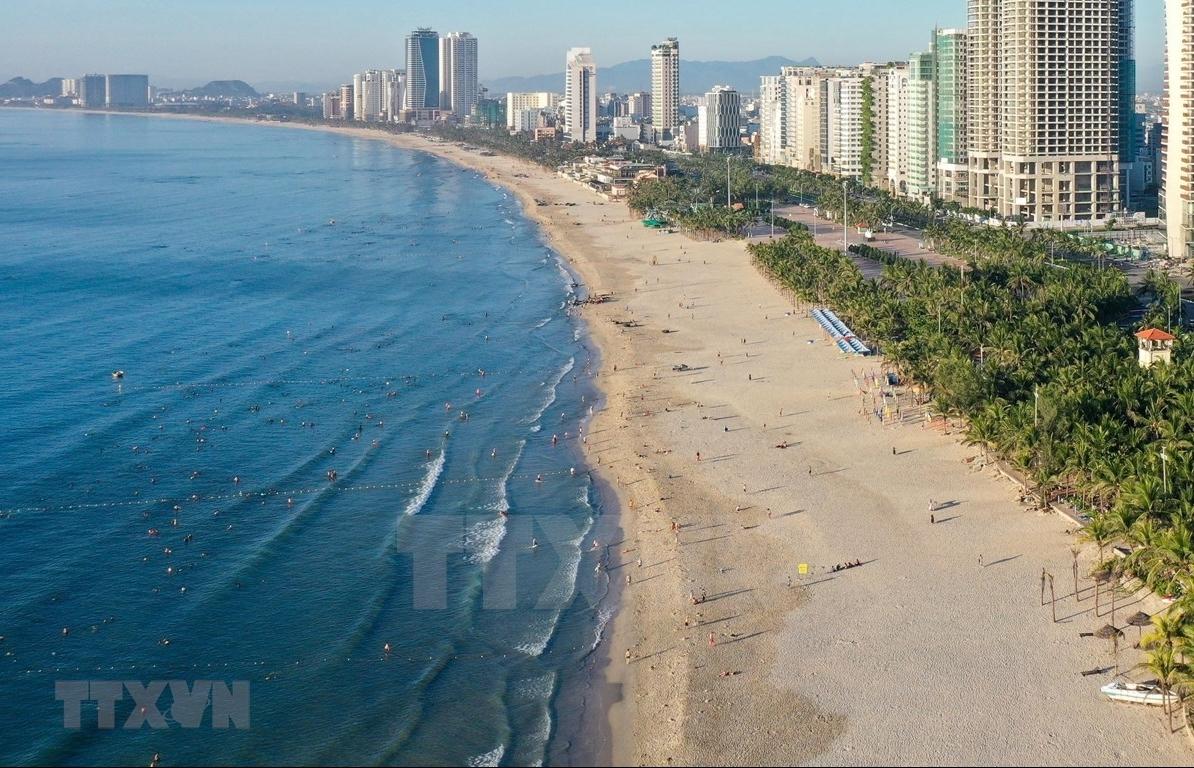 Da Nang again closes public beaches due to new COVID-19 outbreaks