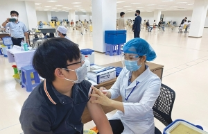 Global tie-ups speed up vaccine use