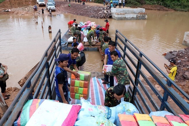 vietnam sends 200000 usd in aid to laos after dam collapse