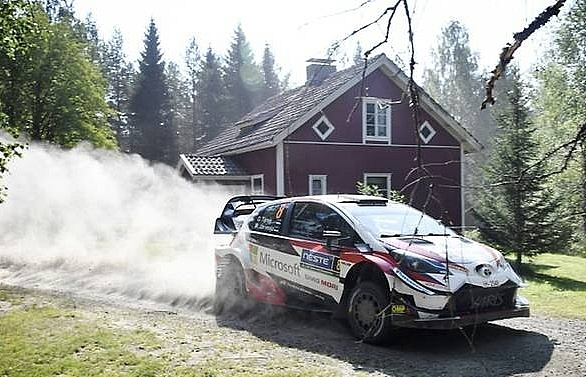 Tanak leads in Finland as Neuville, Ogier fail to get grip