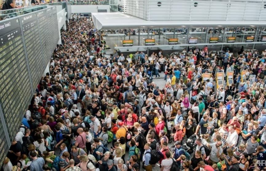 Munich airport cancels 200 flights after intruder alert