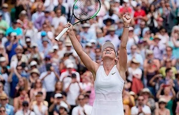 Halep overwhelms Svitolina to make Wimbledon history for Romania