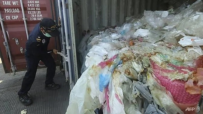 indonesia returns containers of waste to france hong kong