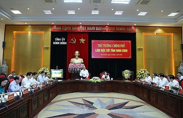 pm checks disbursement of public investment in ninh binh