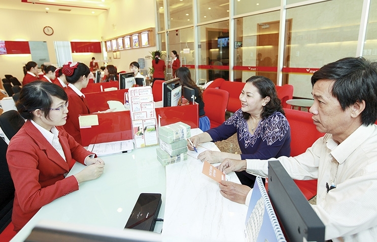 Banks act carefully amid uncertainties