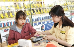 Shortages derailing top tech retailers