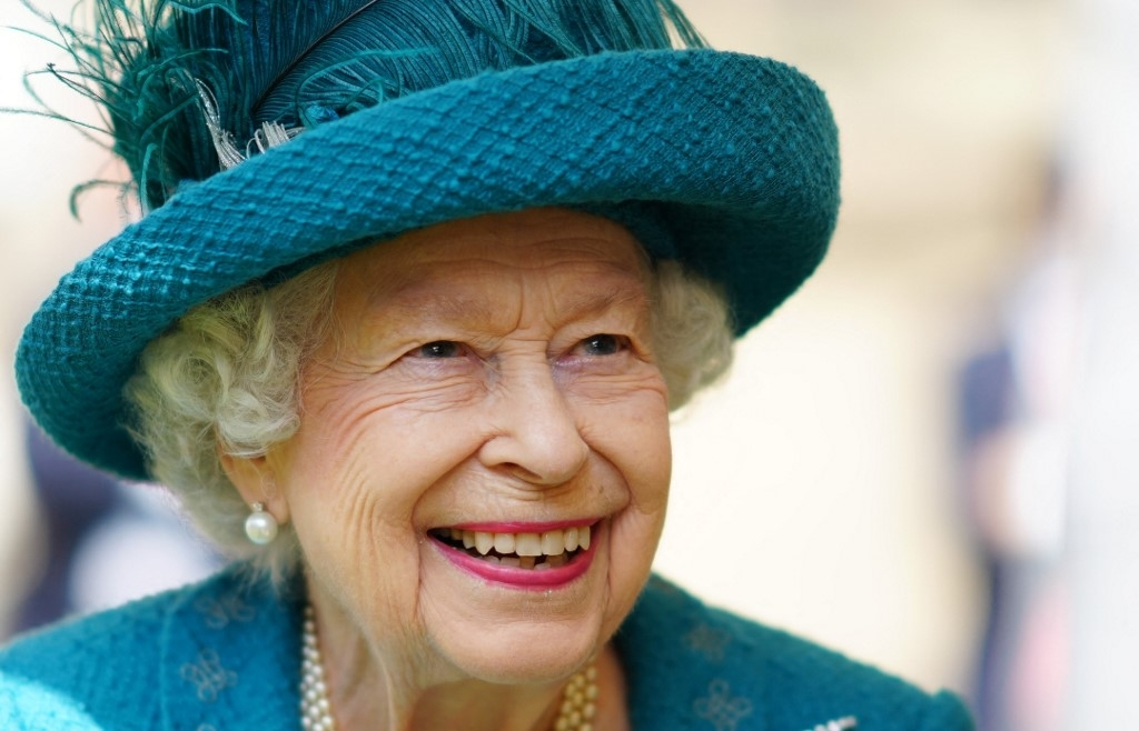 Queen Elizabeth, Prime Minister wish England luck in Euro final