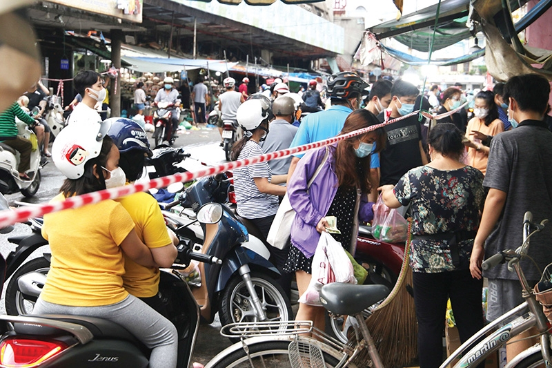 Ho Chi Minh City preparing for complicated fortnight