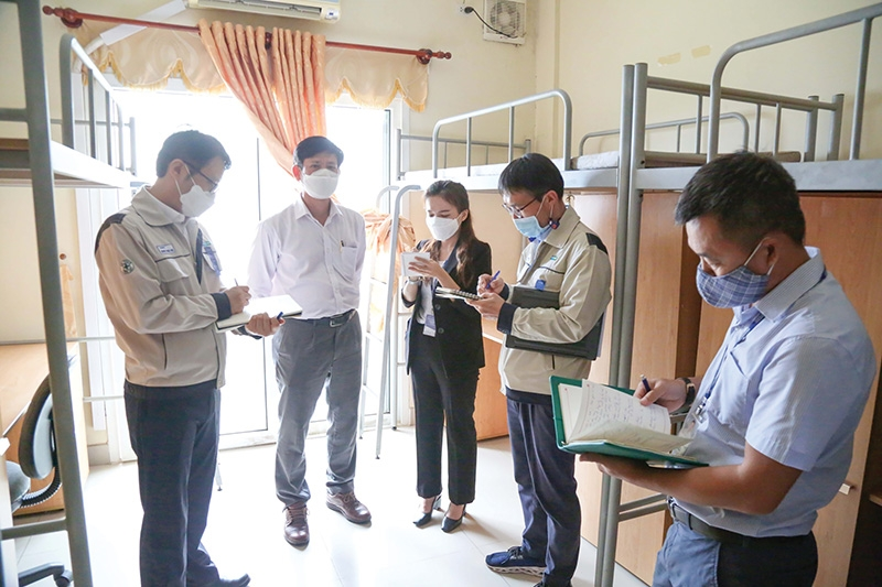 Ho Chi Minh City businesses are working to organise safe production and accommodation for workers