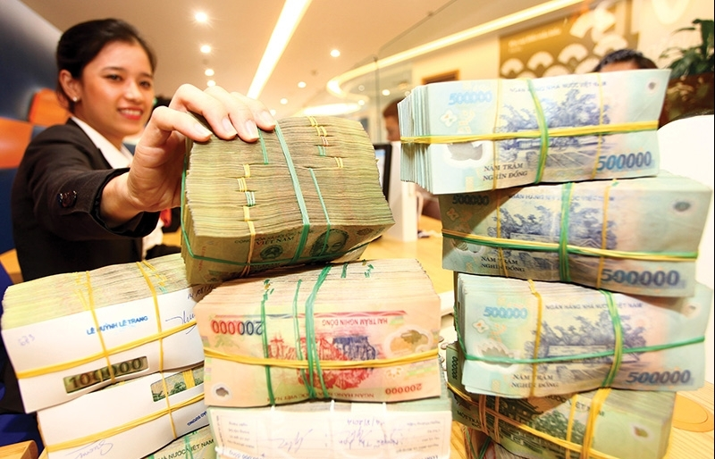 Lenders give nod to rate cuts to help out