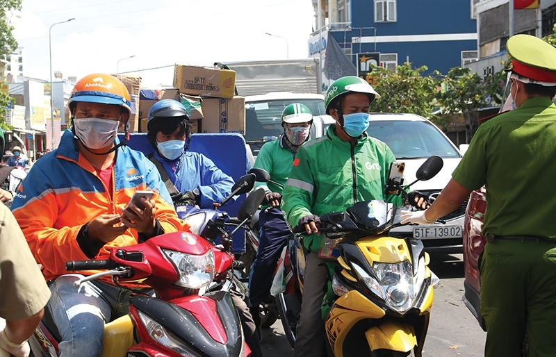 Ride-hailers assist drivers with policies