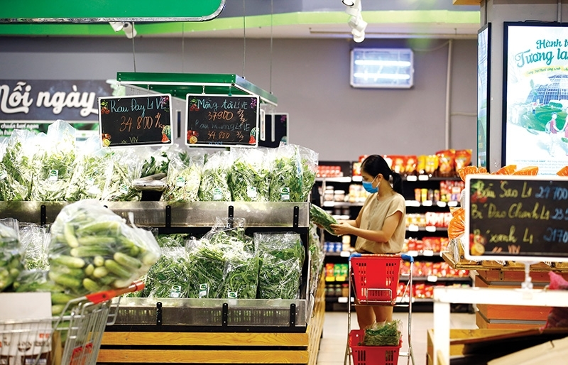 Markets and food outlets rush  to stock up and protect prices