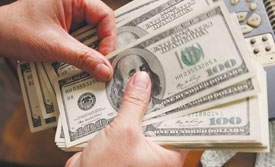 Banks up dollar deposit rates in search for forex